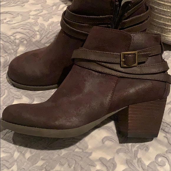 Brand new never worn brown ankle booties